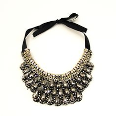 Beaded Scalloped Collar -charcoal